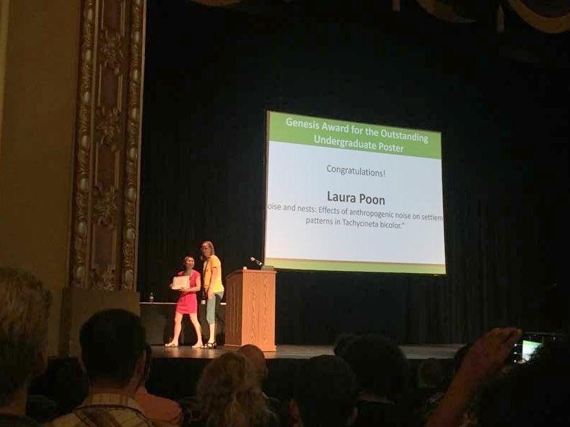 Patricelli Lab undergrad Lauren Poon, receiving the Genesis Award at ABS 2016